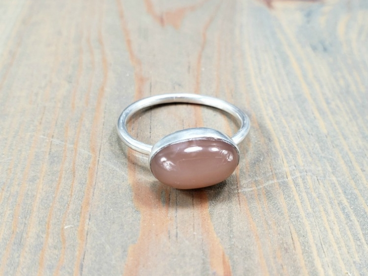 simple silver band ring