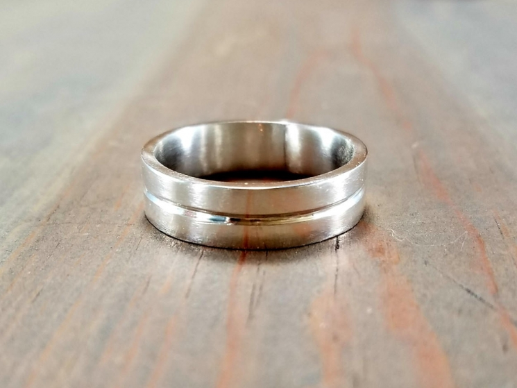 Ring with Center Groove