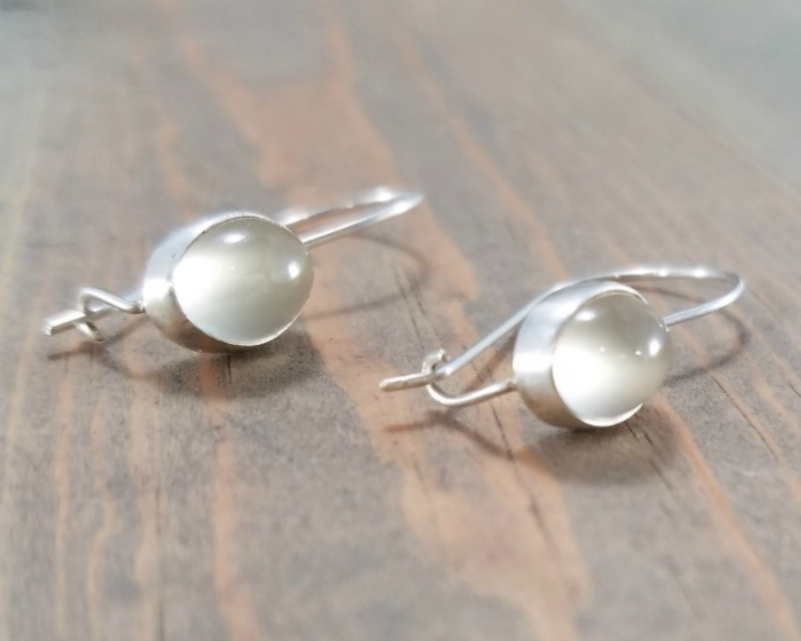 Famous Sterling Silver Oval Moonstone Earrings | BloomingOak Design YD64
