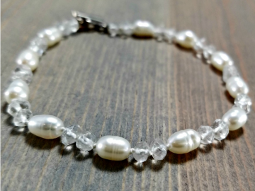 Pearl Bracelet with Quartz
