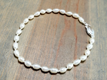 Knotted Rice Pearl Bracelet